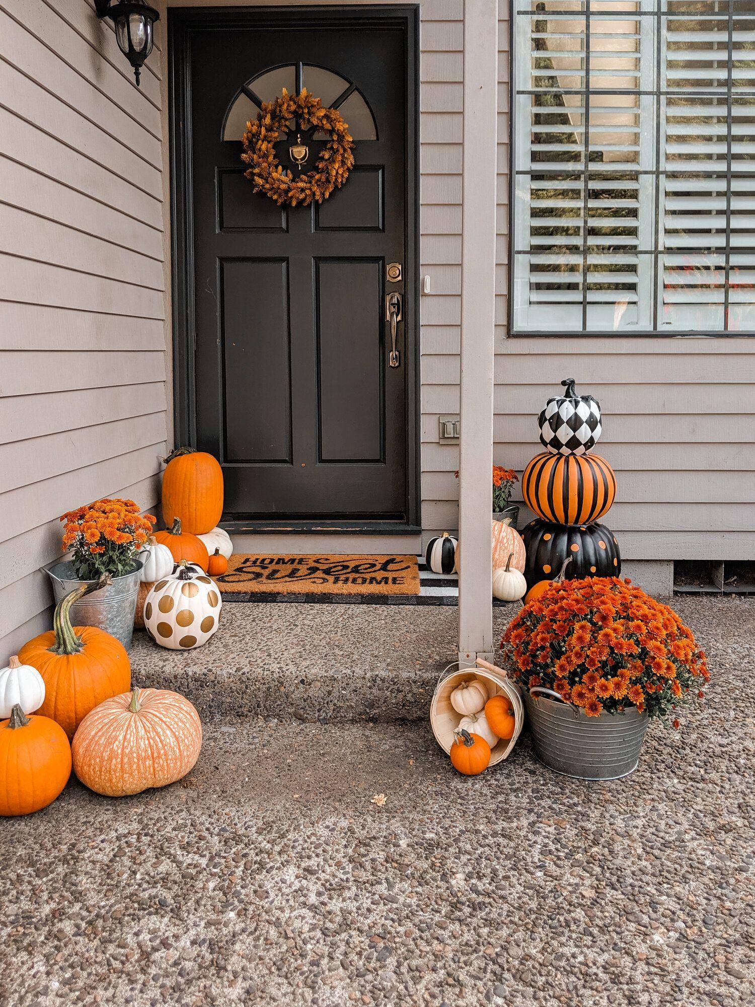 Fall Front Door Wreath Diy Designer Looking Pumpkins Easy Fall Diy Outdoor Halloween De Front Door Fall Decor Fall Front Porch Decor Front Porch Decorating