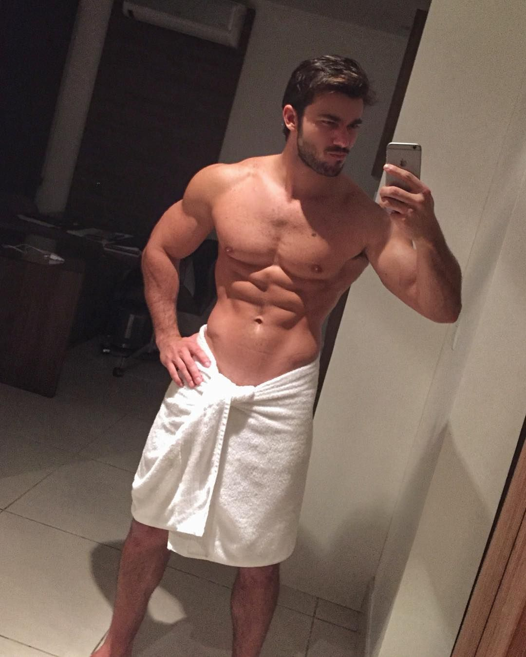 La Fitness With Towel Service: Sexy Muscle Guys