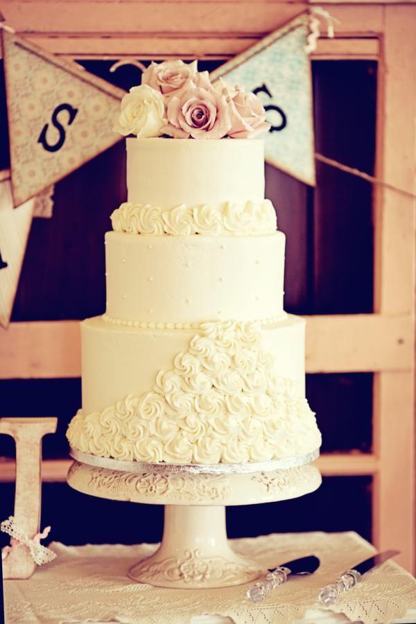 Shabby chic/vintage cake