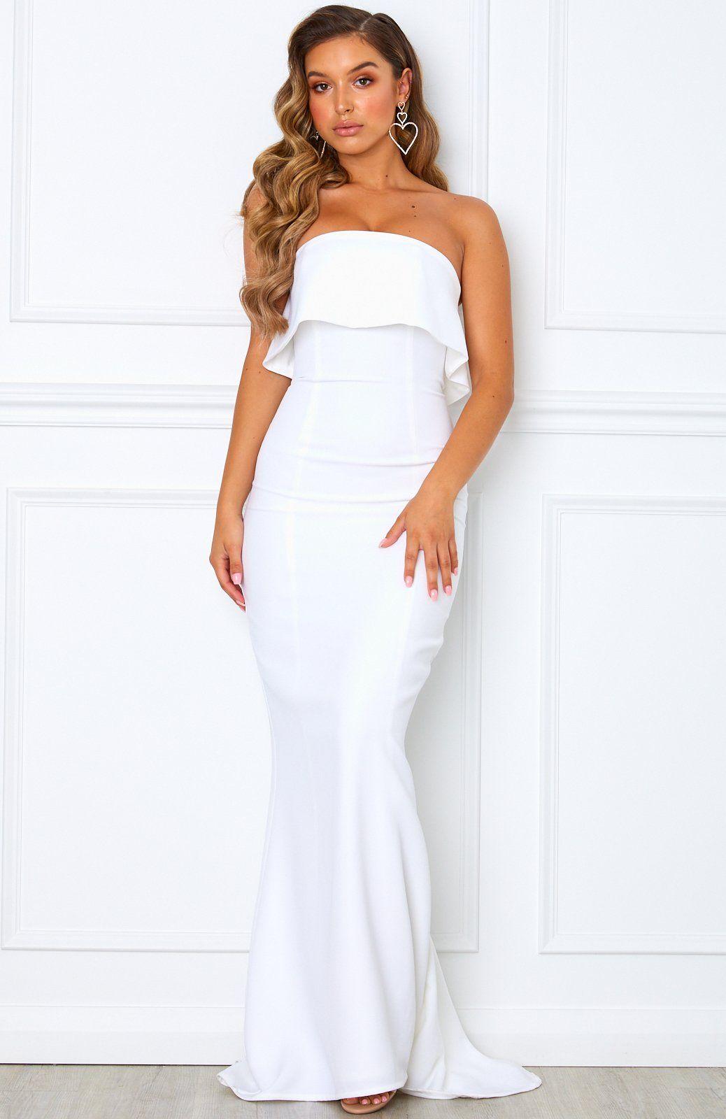 Aubrey Maxi Dress White In 2021 White Maxi Dress Wedding White Maxi Dresses Maxi Dress [ 1600 x 1038 Pixel ]