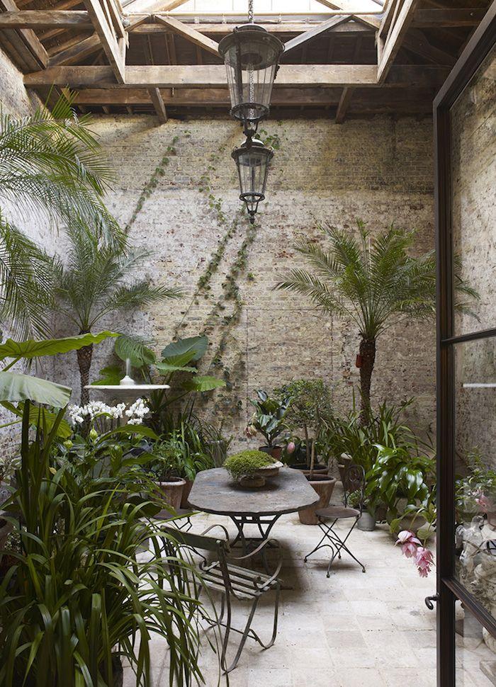 Urban jungle fond dans ce jardin d 39 hiver exotique for Decoration jardin villa