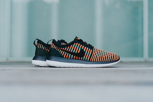 Les Nike Rosche Two Flyknit qui changent de couleur ! | Nike