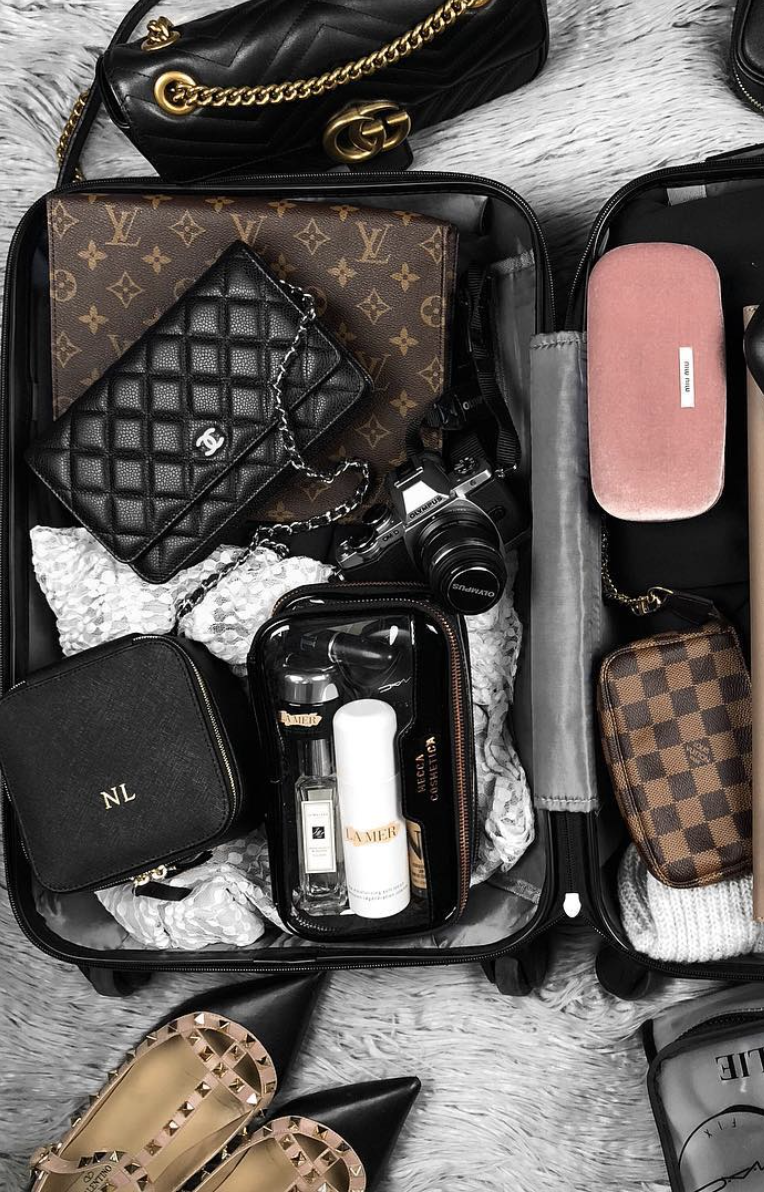 10 Best Travel Makeup Bags From Luxe With Love In 2020 Makeup Bags Travel Clear Makeup Bags Makeup Bag