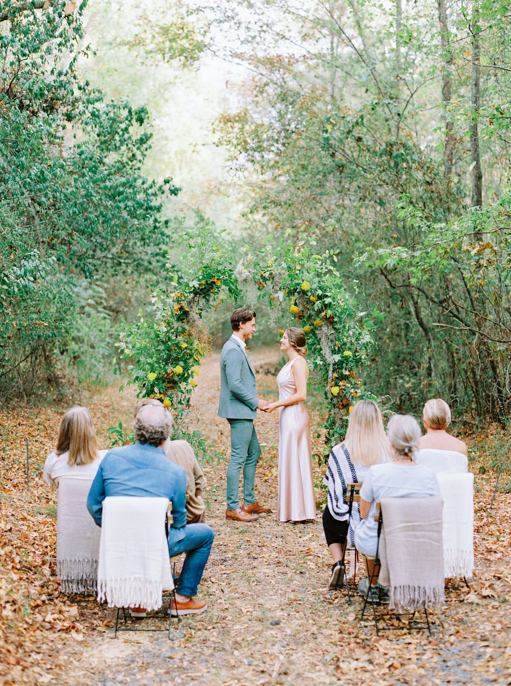 This Fall Micro Wedding At Wavering Place Is Giving Us All The Pretty Thanksgiving Vibes Ruffled Wedding Inspiration Fall Small Outdoor Wedding Small Weddings Ceremony