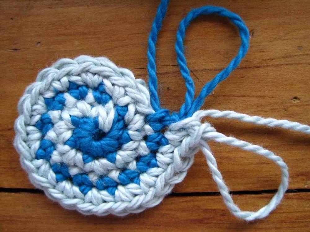 Moriarty: two colour stripey crochet beanie | Häkeln, Muster und Beanie