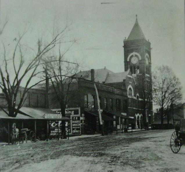 Old Courthouse at Marietta Square