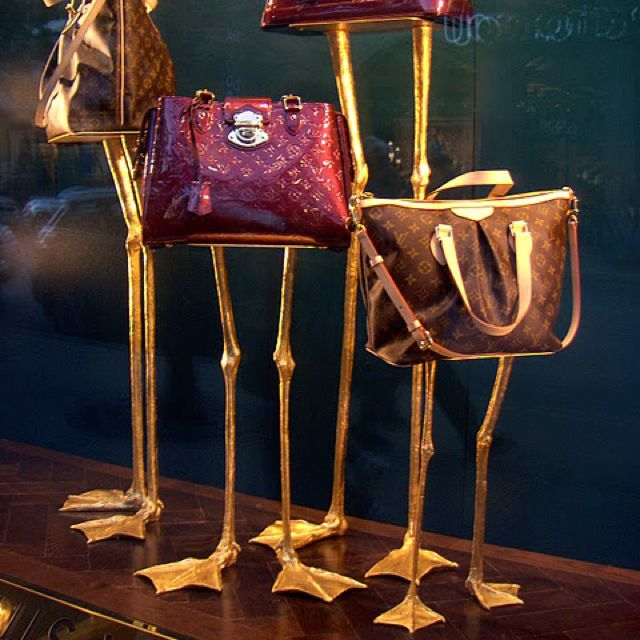 Display Ideas For Handbags: Louis Vuitton Window Display - Ostrich