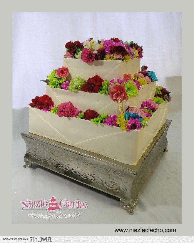 Tort Weselny Z Kwiatami Kwiatowy Tort Weselny Zywe Kw Cake Wedding Cakes Desserts