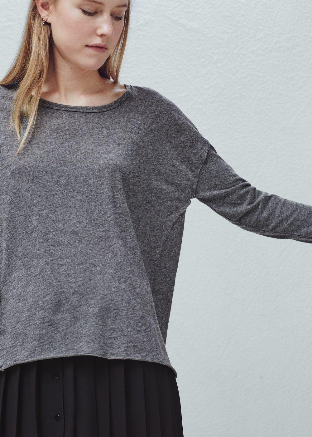T-shirt met omgeslagen mouwen | MANGO
