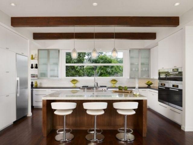 un îlot de cuisine central en bois et marbre Kitchen Pinterest