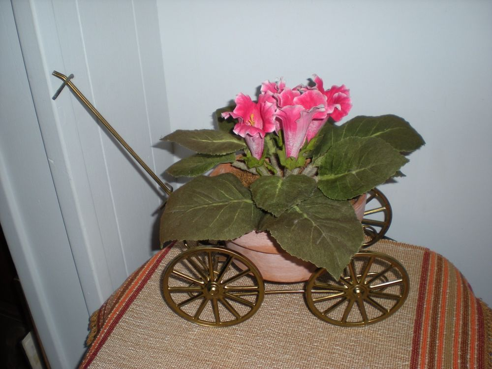 Miniature Gold Metal Decorative Hitch Wagon Small Plant Stand/Country Decoration #Unbranded