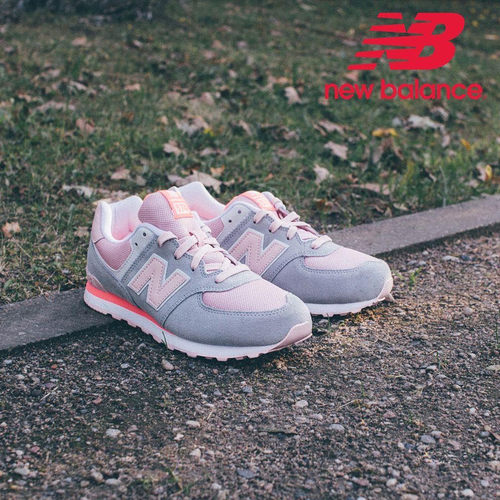 New Balance 574 Grey Light Pink Teraz Mozecie Miec Za 199zl Wystarczy Dodac Buty Do Koszyka I Wpisac Kod New Balance Sneaker Brooks Sneaker Saucony Sneaker