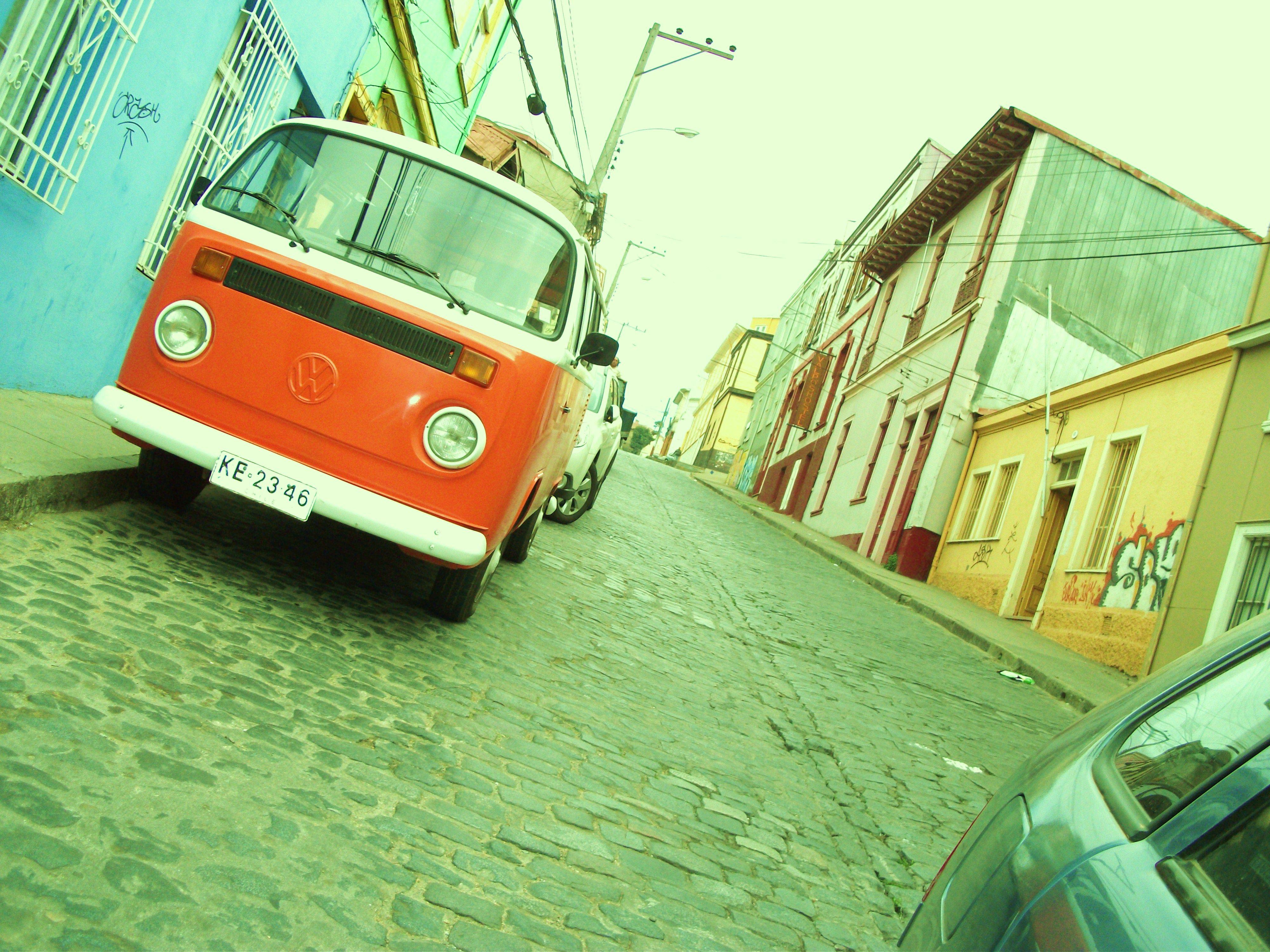 Camioneta inclinada- Cerro Alegre