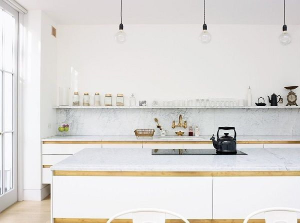 cucina con scaffali o mensole | Shelving, Kitchen dining and Kitchens