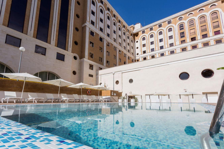 Piscina En Ayre Hotel Sevilla Ayrehotelsevilla Sevilla Andalucía Pool Sun Hotel Hotel Sevilla Sevilla Hoteles