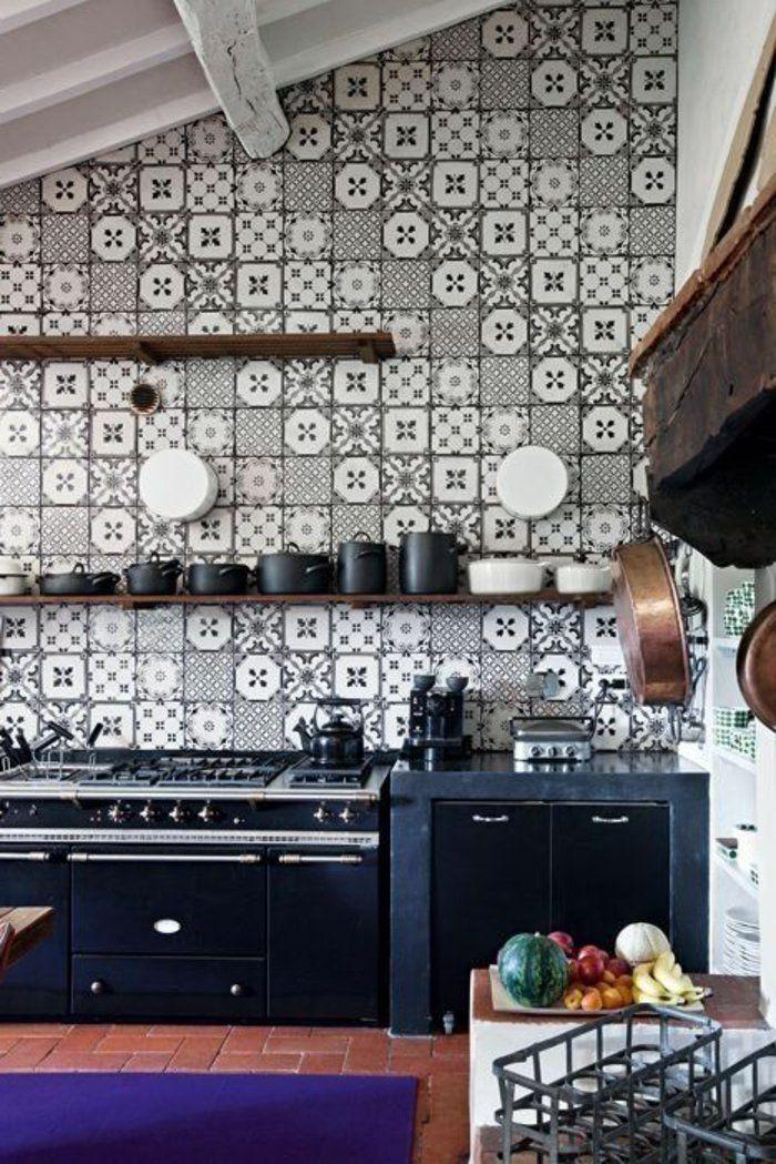 Vous cherchez des idées pour un carrelage noir et blanc? On vous les - carrelage mur cuisine moderne