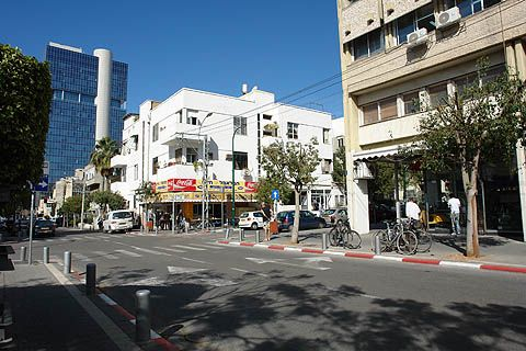 Gan Hahashmal one of the coolest neighborhoods in Tel Aviv | Israel travel guide - inisrael.com