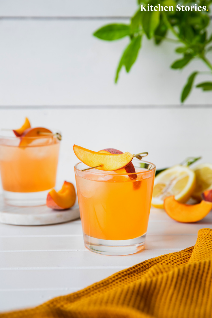 Photo of Non-alcoholic peach and pink splash | Recipe with video instructions