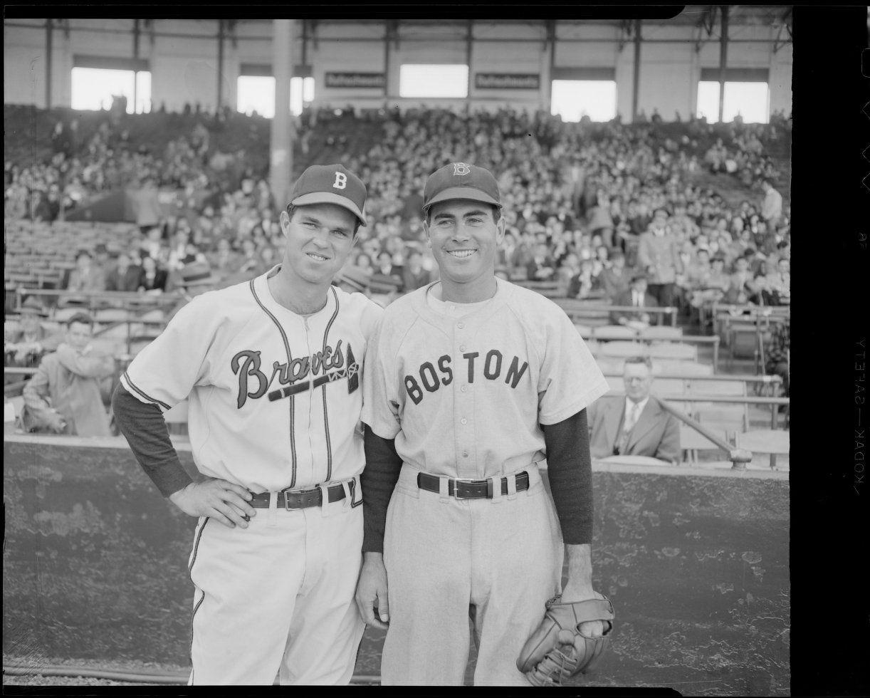 Boston Braves Pitcher Johnny Sain With Boston Red Sox Pitcher Tex Hughson 1946 Braves Boston Red Sox Boston Red Sox Baseball
