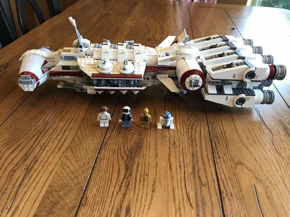 Lego Star Wars 10198 Tantive Iv 2009 Edition Lego Star Wars Lego Star Star Wars Vehicles