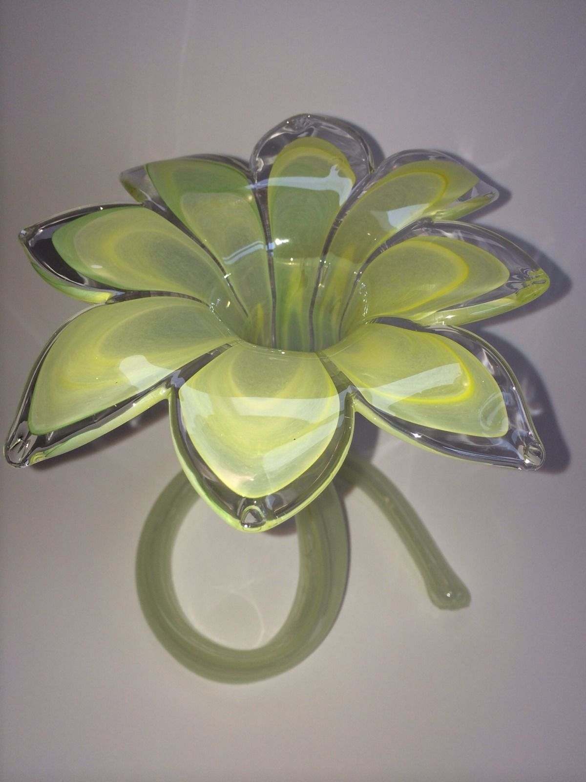 Lovely large vintage murano glass soft green standing flower vase lovely large vintage murano glass soft green standing flower vase picclick reviewsmspy