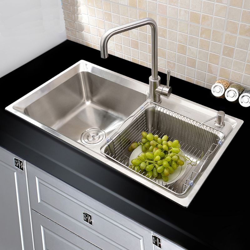 This Kitchen Sink Is Made Of 318 Stainless Steel With High