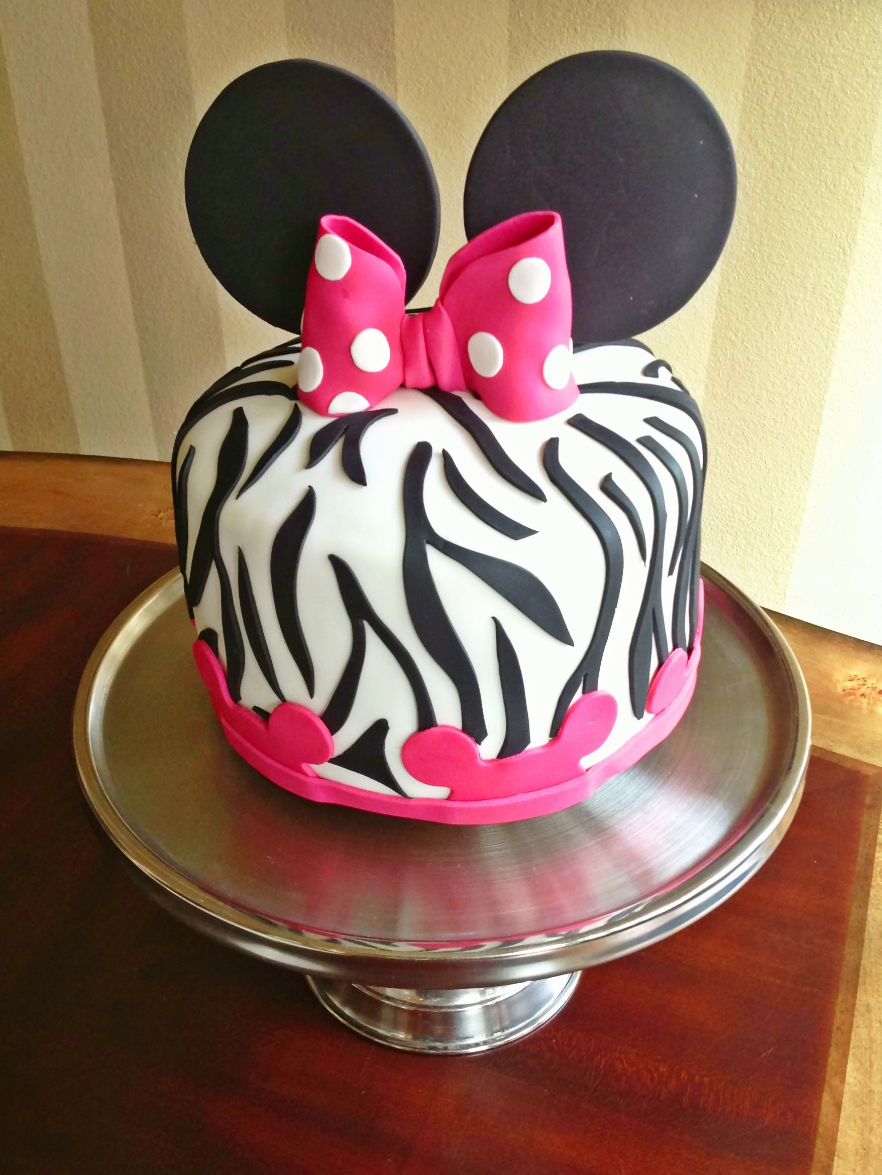 Minnie Mouse Birthday Minnie Mouse Zebra print cake for sweet