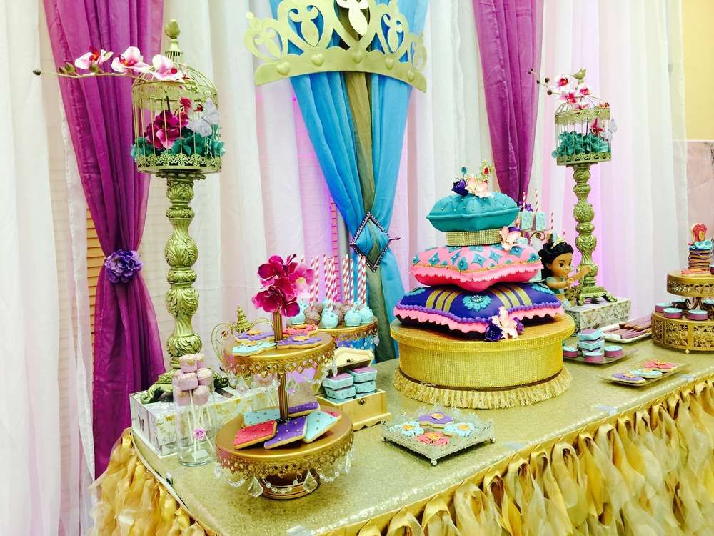 Princess jasmine aladdin baby shower party ideas for Arabian party decoration ideas