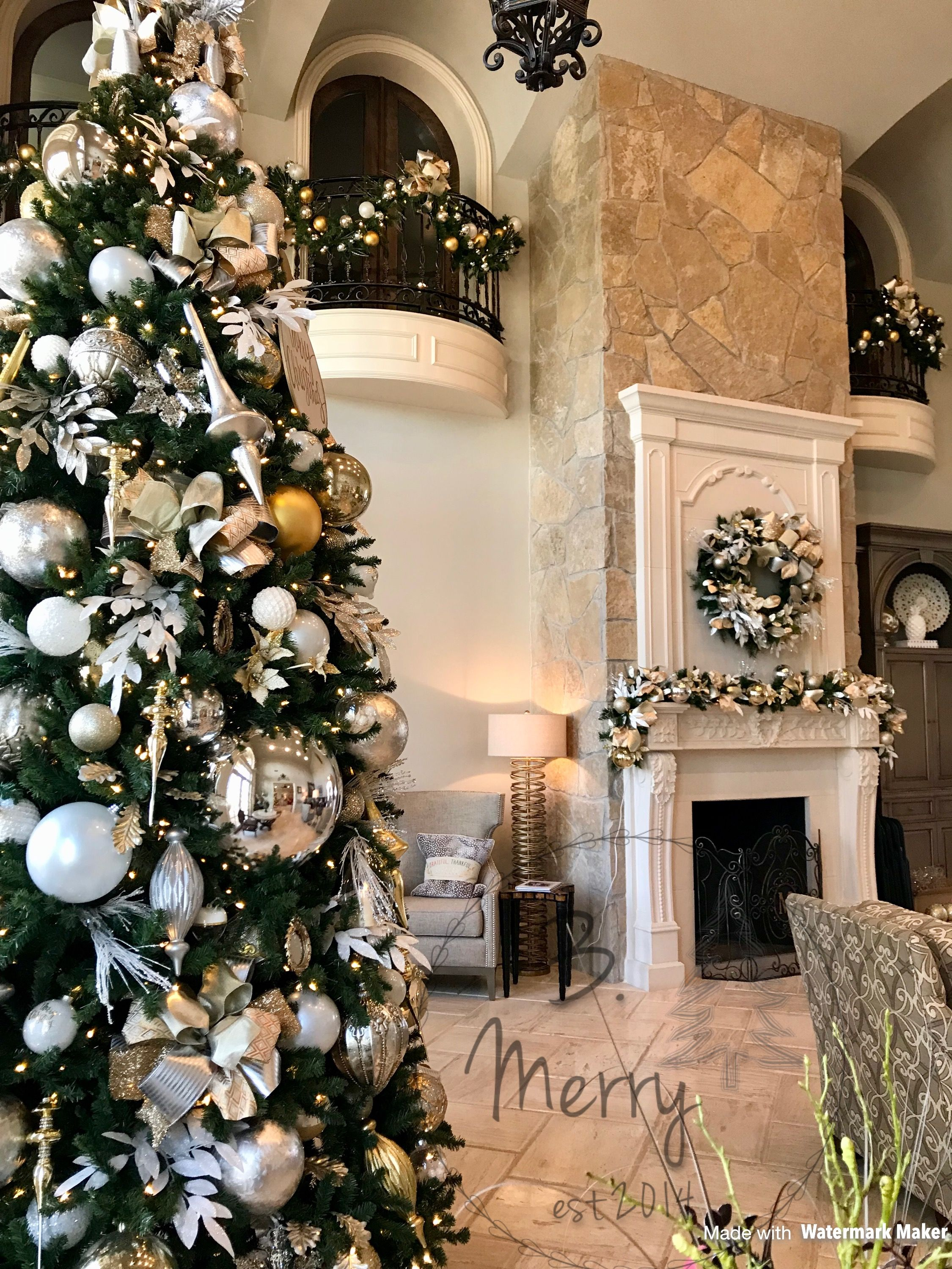 Pin By Mimica On Christmas Time And Winter Wonderland Christmas Interiors Christmas Tree Christmas Aesthetic