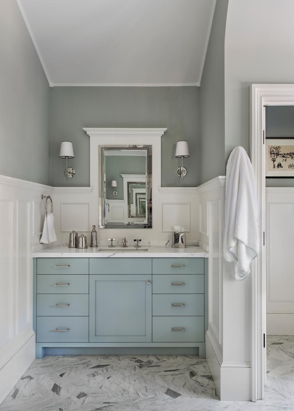 These Bathroom Paint Colors Will Certainly Offer Your Bathroom The Remodeling You Ve Been Waiting On Whatever Your Style Ex Small Bathroom Vanities Blue Bathroom Vanity Blue Vanity