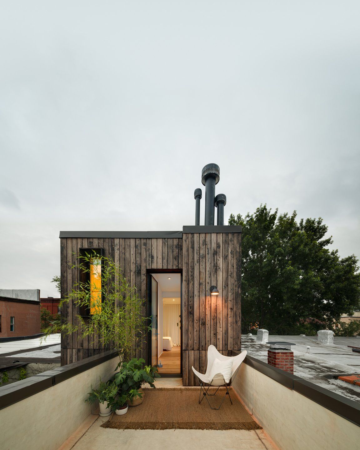 Modern Home With Outdoor Rooftop Small Patio Porch Deck And Wood Patio Porch Deck Rear Roof Terrace Photo 3 Row House House In The Woods Brooklyn House