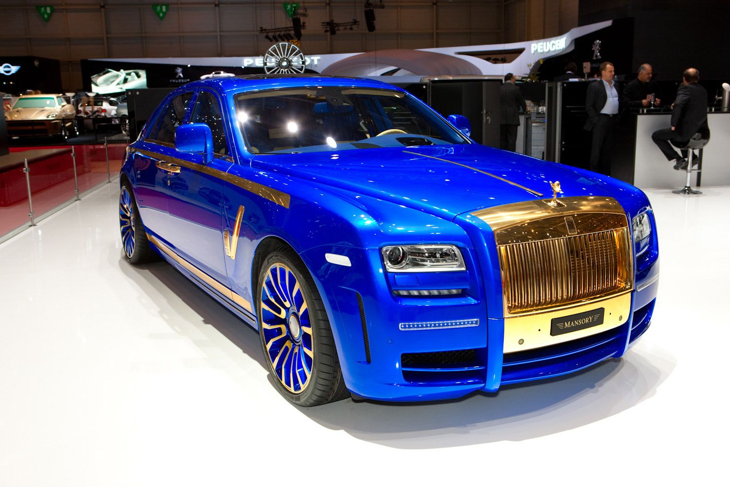 Shing Gold Futer Sports Cars On The Rod