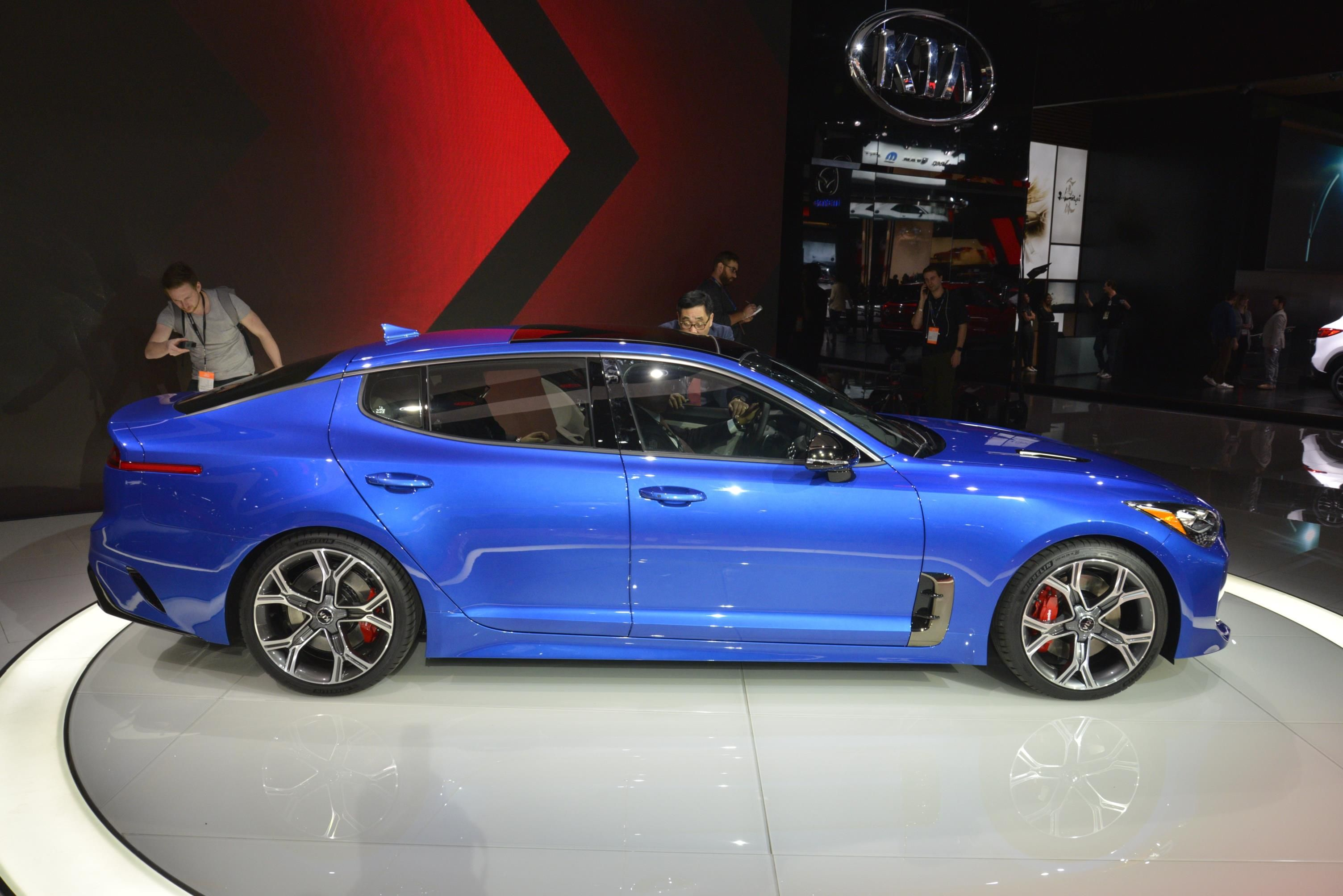 2017 Detroit Auto Show 2018 Kia Stinger Kia Stinger Kia Porsche Panamera