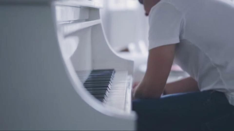 Justin Serrao - Not Fighting (Music Video) Behind The Scenes Artist: Justin Serrao Model: Michelle Chrystal Videographer: Charl Fraser