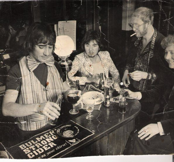 Keith Moon, Ronnie Lane, Vivian Stanshall & Chris Welch. Photograph by Barry Wentzell