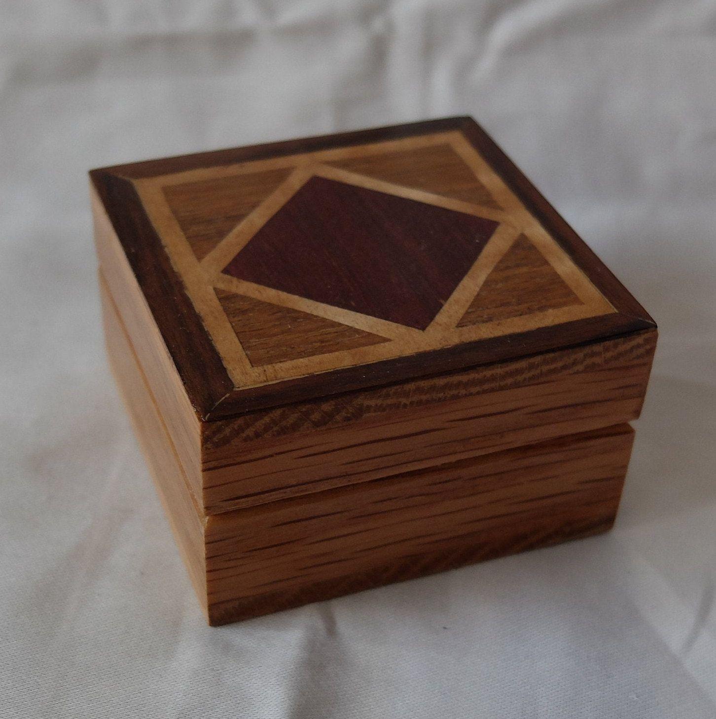 Small Hand Veneered Wooden Box With Lid Wood Veneers In Geometric Pattern Wooden Boxes Wooden Box With Lid Veneers