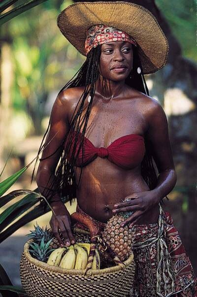 Pin By Claude Everett On People Dark Skin Women Beautiful Black
