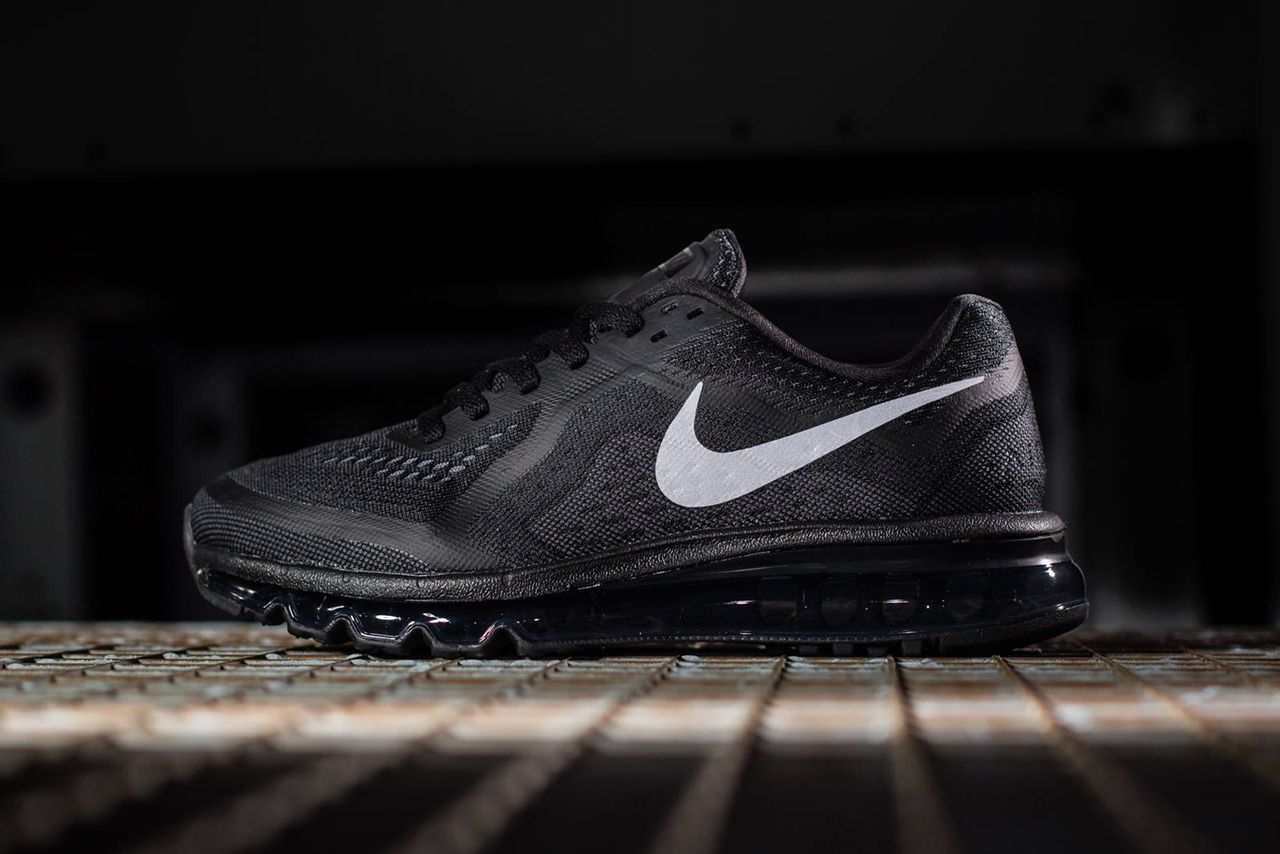 2014 air max all black