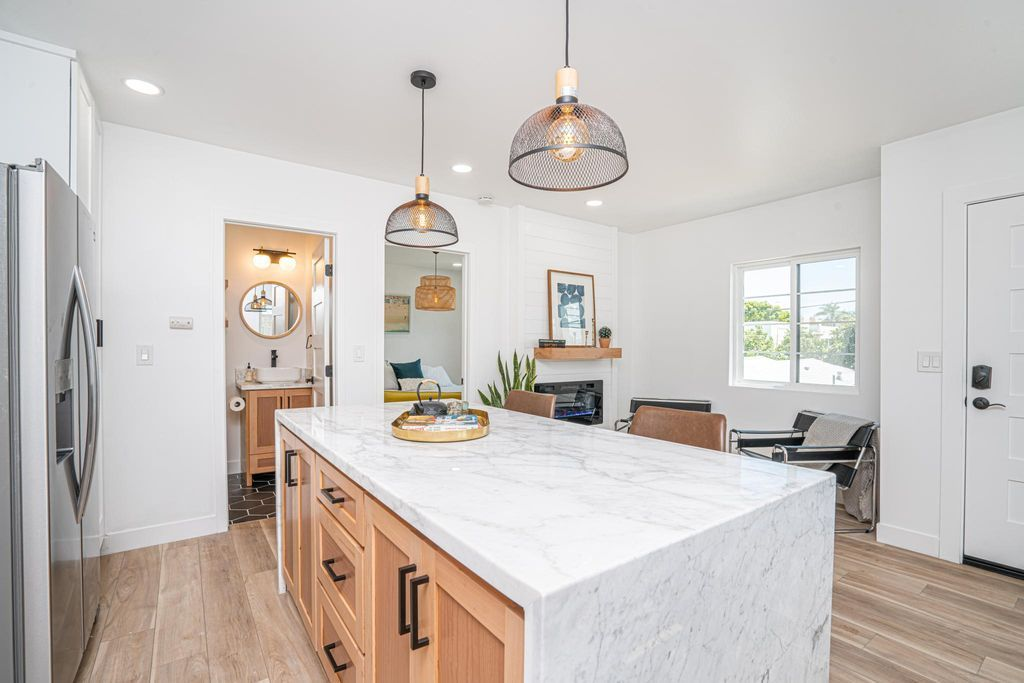 2575 University Ave San Diego, CA, 92104 - Apartments for ...