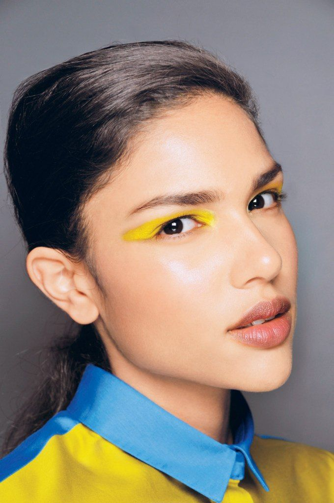 yellow winged makeup