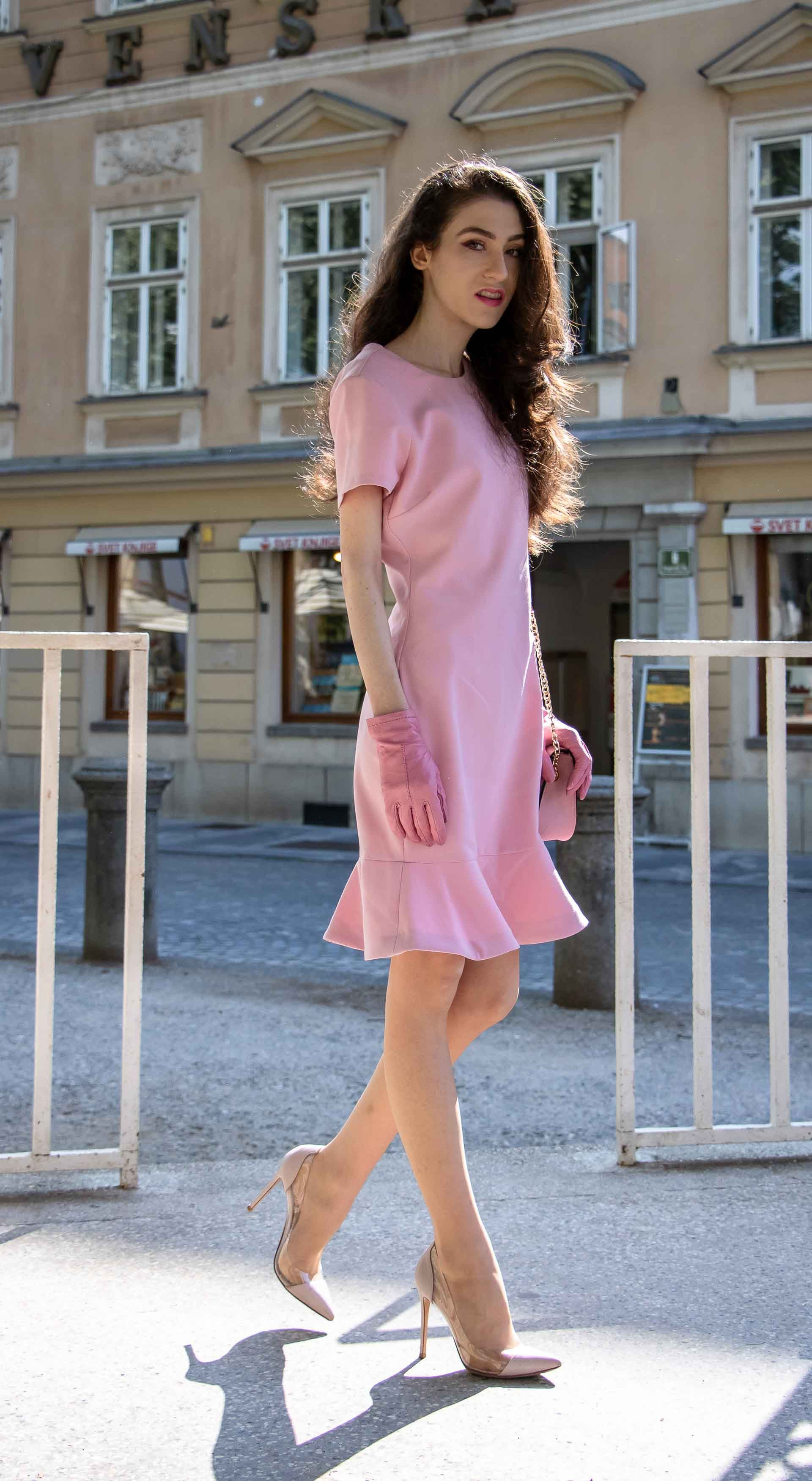 d6a4be4febe0 Fashion Blogger Veronika Lipar of Brunette from Wall Street sharing  mothers-in-law approved