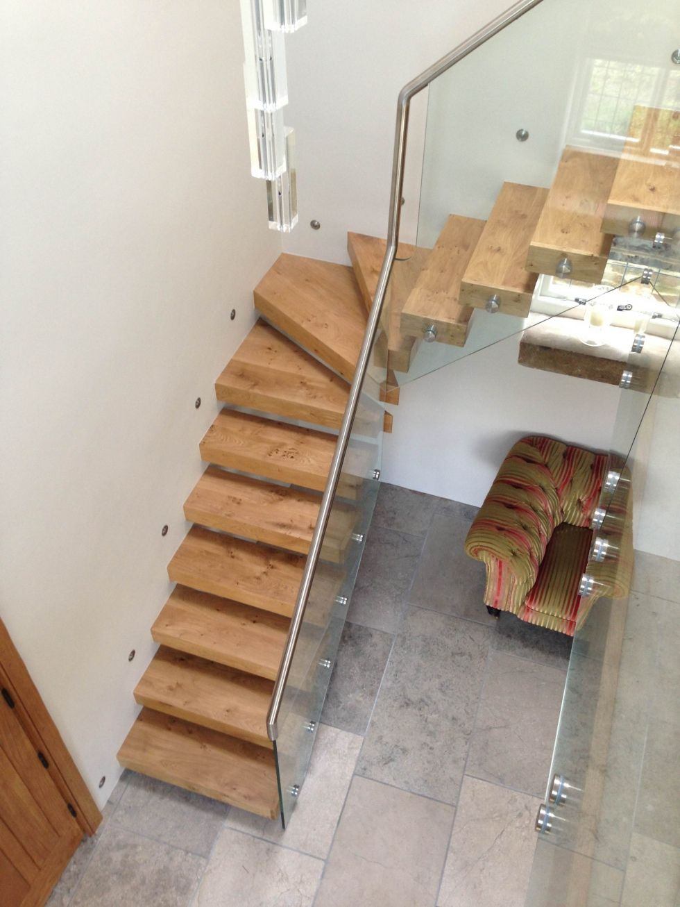 Best Kite Cantileavered Timber Glass Staircase Staircase 400 x 300