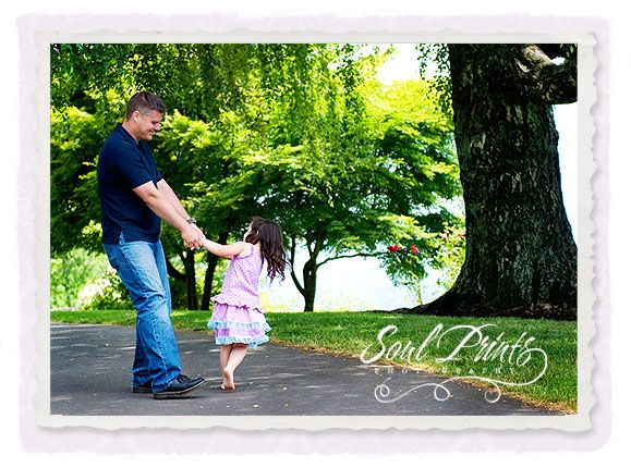 love the candid pics..especially father/daughter.