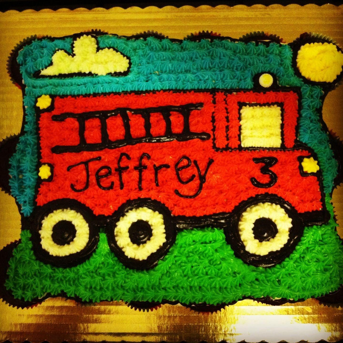Pullapart cupcake cake for a 3 year old birthday Fire engine cake