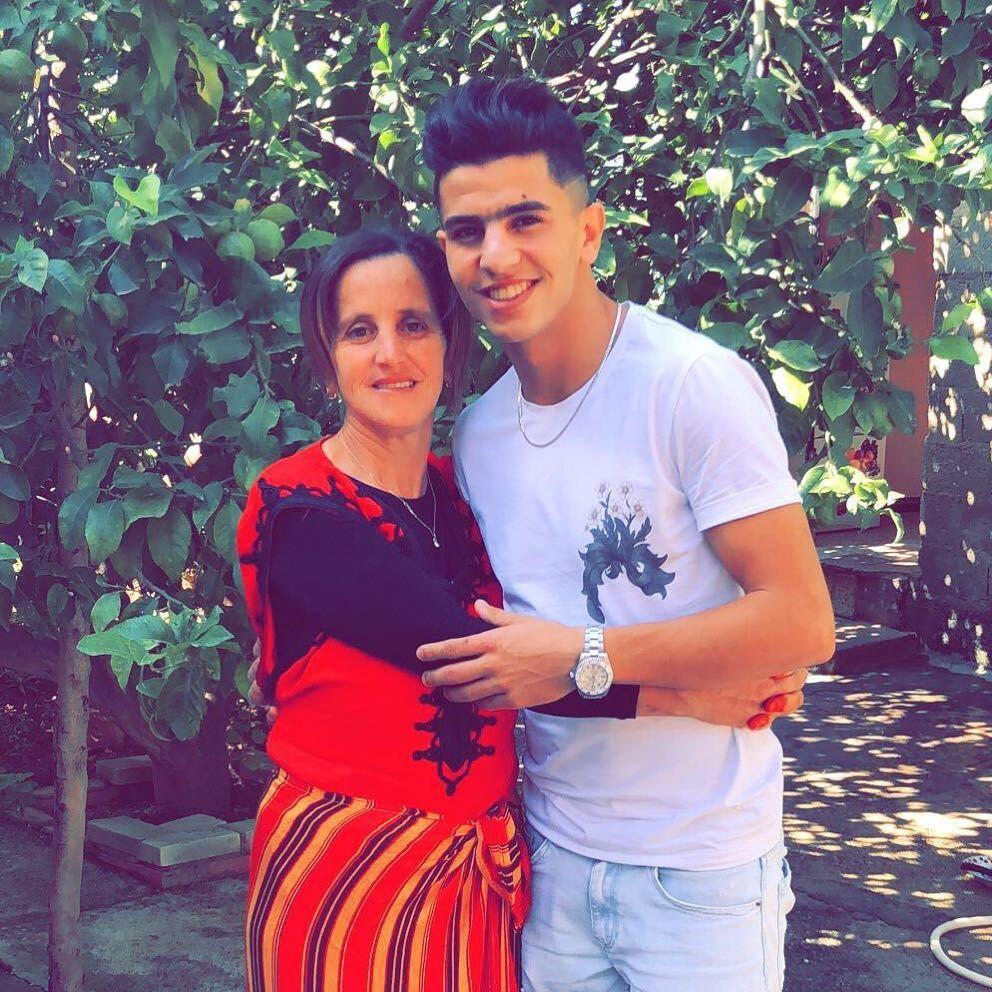 Dating femeile este femei căsătorite din București care cauta barbati din Drobeta Turnu Severin