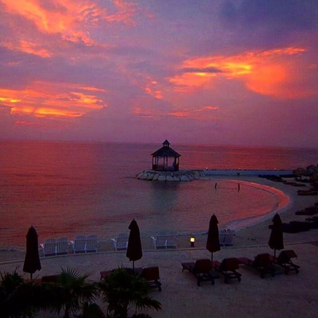 Kick back, relax and enjoy the #sunset this #BeachThursday at #SecretsStJames #Montego with #UnlimitedVacationClub.