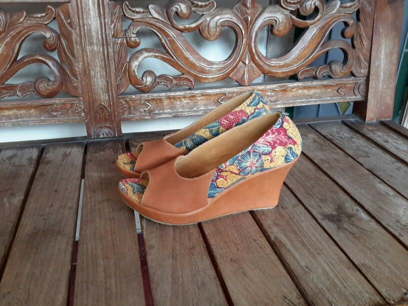 Done Order  SukMa Wedges  Reserved SR  More Info Please Add My Page Galleries Abata or FB Galleries Abata