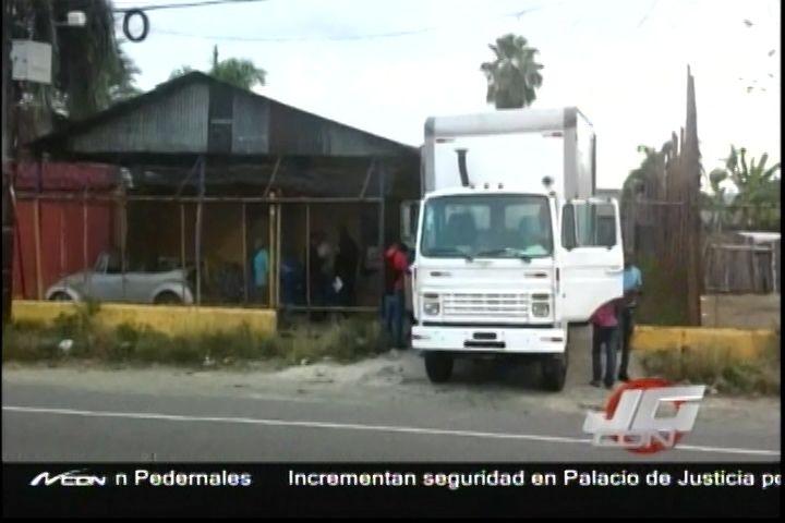Desmantelan Fábrica Clandestina De Bebidas Alcoholicas Falsas En La Vega