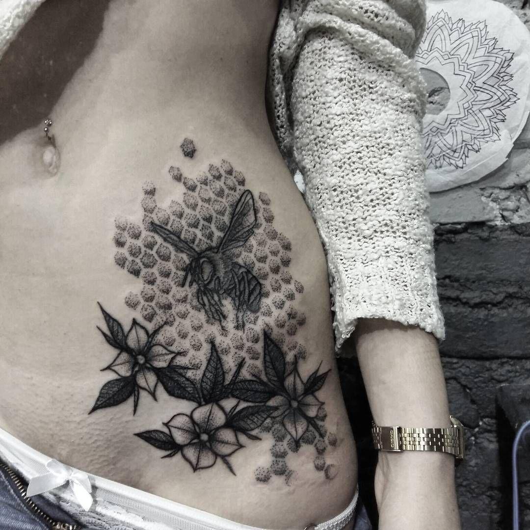 Cover up ✖ Abelha da Barbara cobrindo uma tattoo indesejada. Muito obrigado pela confiança! Até a próxima. #tattoo #bee #coverup #tattoo2me