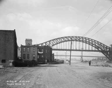 Shore Boulevard South, Astoria. View of Hell Gate Bridge. March 10, 1944.